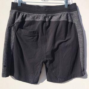 LULULEMON herringbone black shorts Large L